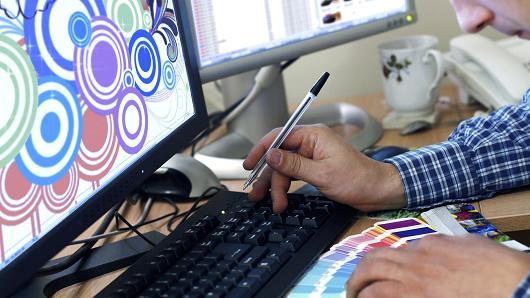 freelance-t%c9%99f%c9%99kkurlu-iscil%c9%99r